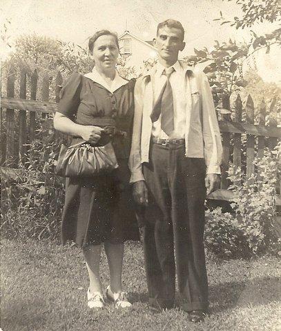 Selma (Bubby) and Robert (Pap) Munas (grandparents)